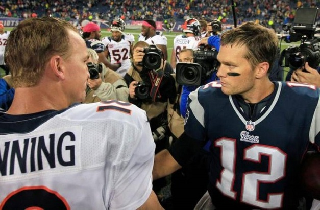 Brady versus Manning, o duelo que decidiu o topo. Foto: Associated Press